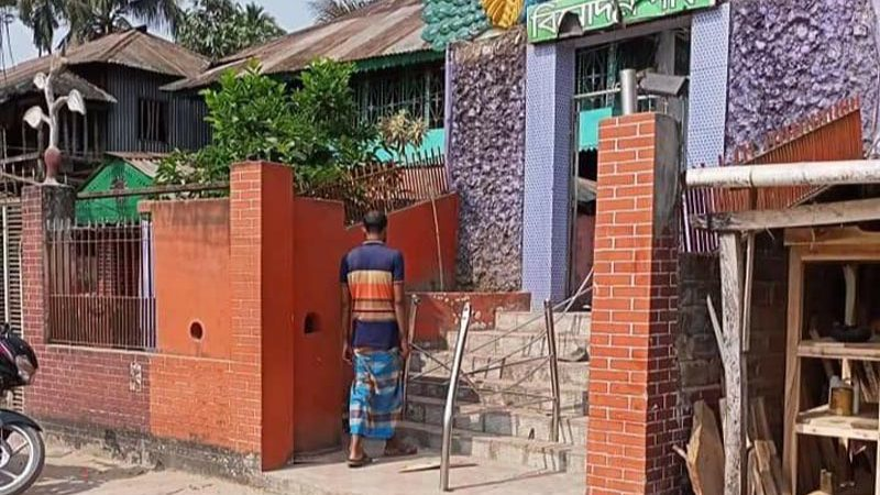 বাউফলে হামলা, ভাঙচুর ও লুটপাটের ঘটনায় মামলা নিচ্ছে না পুলিশ