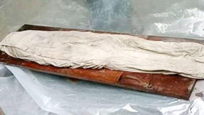 অলৌকিক: ১৭ বছরের পুরনো কবরে অক্ষত মরদেহ
