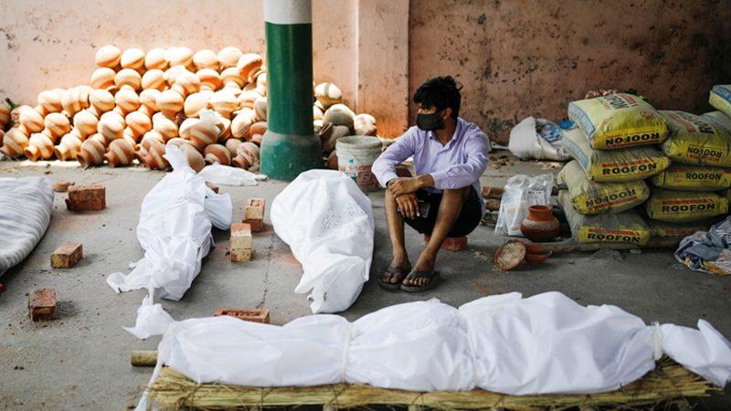 করোনাভাইরাস: ভারতে ২৪ ঘণ্টায় ৪ হাজার মানুষের মৃত্যু