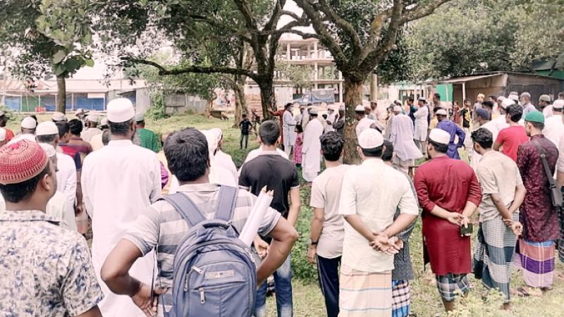 'সম্পত্তির জন্য' মায়ের মরদেহ দাফনে বাধা স্কুল শিক্ষকের